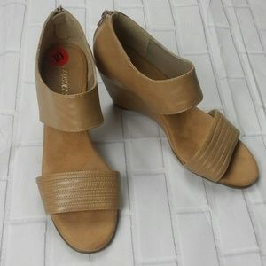 Aerosoles Womens Wedge Strap Sandal Shoes Size 10